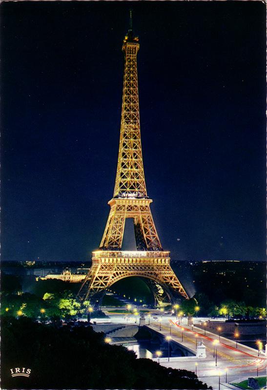 PARIS 589 - La Tour Eiffel iluminée